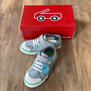 See Kai Run Sneakers Boys Size 1Y
